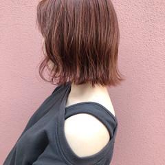 アンニュイほつれヘア ボブ 外ハネボブ オレンジベージュ ヘアスタイルや髪型の写真・画像