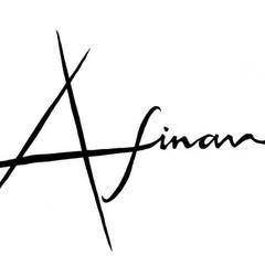 フェミニン ロング カール イルミナカラー ヘアスタイルや髪型の写真・画像