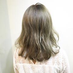 グラデーションカラー ゆるふわ ストリート 外ハネ ヘアスタイルや髪型の写真・画像
