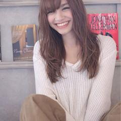 ロング パーマ 外国人風 ガーリー ヘアスタイルや髪型の写真・画像