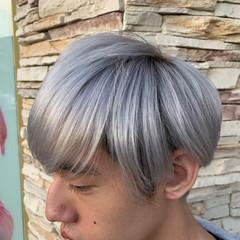 ハイトーン ショート シルバーグレー シルバーアッシュ ヘアスタイルや髪型の写真・画像