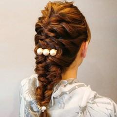ナチュラル 編み込み ロング ヘアスタイルや髪型の写真・画像
