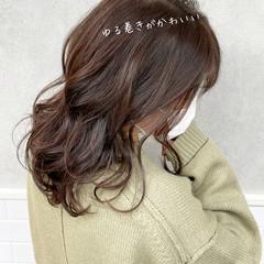 モテ髪 透明感カラー ゆる巻き フェミニン ヘアスタイルや髪型の写真・画像