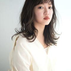 無造作パーマ 大人かわいい ミディアム パーマ ヘアスタイルや髪型の写真・画像