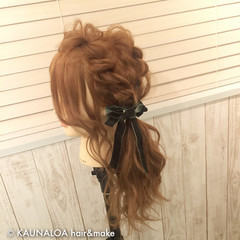 簡単ヘアアレンジ セミロング ショート フェミニン ヘアスタイルや髪型の写真・画像