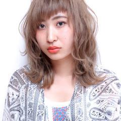 セミロング 外国人風 アッシュ ストリート ヘアスタイルや髪型の写真・画像