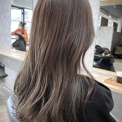 ロング オリーブカラー オリーブ オリーブグレージュ ヘアスタイルや髪型の写真・画像
