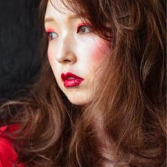 レッド モード ロング 外国人風 ヘアスタイルや髪型の写真・画像