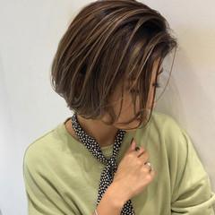 ナチュラル 外国人風カラー アンニュイほつれヘア ハイライト ヘアスタイルや髪型の写真・画像