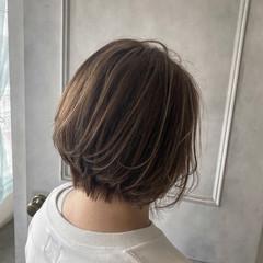 バレイヤージュ エアータッチ ハイライト ショートボブ ヘアスタイルや髪型の写真・画像
