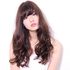 コンサバ ロング アッシュベージュ フェミニン ヘアスタイルや髪型の写真・画像