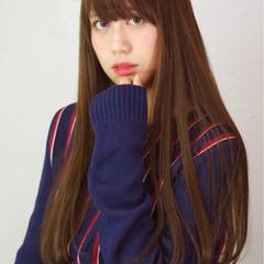 暗髪 ガーリー ワイドバング ロング ヘアスタイルや髪型の写真・画像