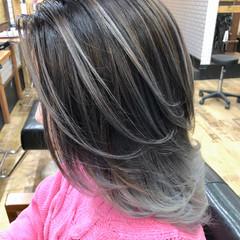 モード ミディアム シルバーアッシュ ウルフカット ヘアスタイルや髪型の写真・画像