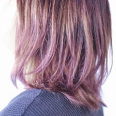 ミディアム ラベンダーピンク ナチュラルグラデーション ナチュラル ヘアスタイルや髪型の写真・画像