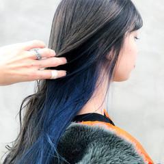 モード ブルージュ クールロング インナーカラー ヘアスタイルや髪型の写真・画像