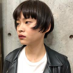 モード モード ショートバング ショートボブ ヘアスタイルや髪型の写真・画像