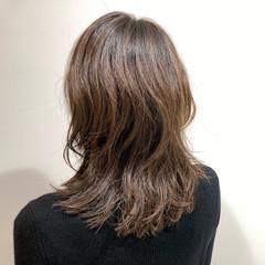 フェミニン パーマ 無造作パーマ ウルフカット ヘアスタイルや髪型の写真・画像