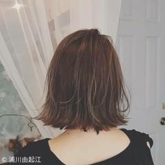 デート ボブ 艶髪 切りっぱなしボブ ヘアスタイルや髪型の写真・画像