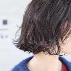 外ハネ 切りっぱなし コンサバ ロブ ヘアスタイルや髪型の写真・画像