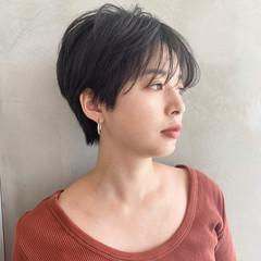 小顔 大人女子 ハンサムショート コンサバ ヘアスタイルや髪型の写真・画像