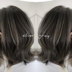 ストリート マッシュウルフ 3Dハイライト シルバーアッシュ ヘアスタイルや髪型の写真・画像