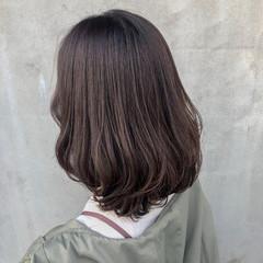 セミロング ナチュラル ダークトーン マット ヘアスタイルや髪型の写真・画像
