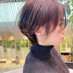 ショート ナチュラル かきあげバング ベージュ ヘアスタイルや髪型の写真・画像