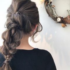 アンニュイほつれヘア 結婚式 フェミニン ヘアアレンジ ヘアスタイルや髪型の写真・画像