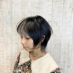 ショート インナーカラー ホワイトアッシュ ウルフカット ヘアスタイルや髪型の写真・画像