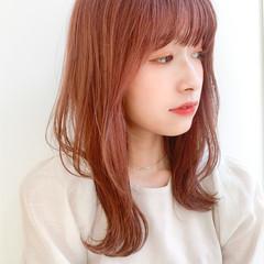 レイヤーカット インナーカラー 小顔ヘア ナチュラル ヘアスタイルや髪型の写真・画像
