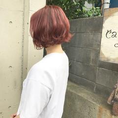 ガーリー ピンク 外ハネ ボブ ヘアスタイルや髪型の写真・画像