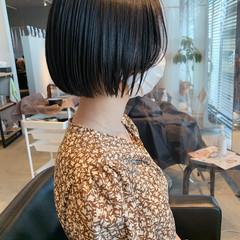 暗髪 ナチュラル ミニボブ 切りっぱなしボブ ヘアスタイルや髪型の写真・画像