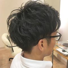 ツーブロック ナチュラル 束感 メンズショート ヘアスタイルや髪型の写真・画像