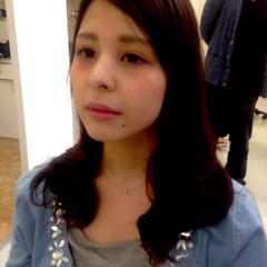 セミロング 黒髪 パーマ 外国人風 ヘアスタイルや髪型の写真・画像