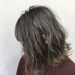 ボブ シルバー シルバーアッシュ アッシュ ヘアスタイルや髪型の写真・画像