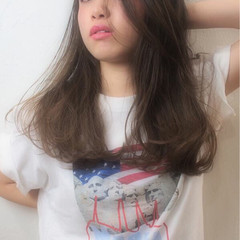 アッシュ ゆるふわ かき上げ前髪 ストリート ヘアスタイルや髪型の写真・画像