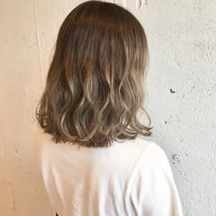 外国人風 ベージュ ラフ ストリート ヘアスタイルや髪型の写真・画像