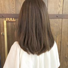 グレージュ ミディアム アッシュグレー 大人女子 ヘアスタイルや髪型の写真・画像