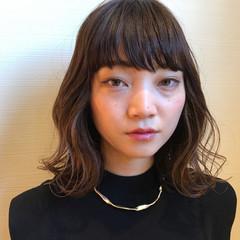オフィス フェミニン ミディアム ヘアスタイルや髪型の写真・画像