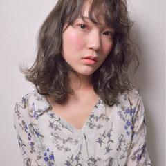 ウェーブ ブルージュ ミディアム ふわふわ ヘアスタイルや髪型の写真・画像