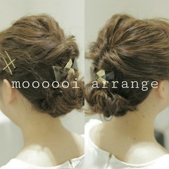 ミディアム ゆるふわ 大人かわいい 編み込み ヘアスタイルや髪型の写真・画像