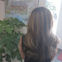 レイヤーカット ハイライト 大人ハイライト コンサバ ヘアスタイルや髪型の写真・画像