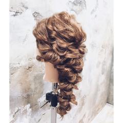 ねじり ヘアアレンジ 編み込み 波ウェーブ ヘアスタイルや髪型の写真・画像