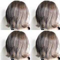 ホワイトシルバー ナチュラル ミルクティーベージュ ブラウンベージュ ヘアスタイルや髪型の写真・画像