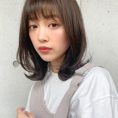 ミディアム 小顔ヘア ナチュラル 透明感カラー ヘアスタイルや髪型の写真・画像
