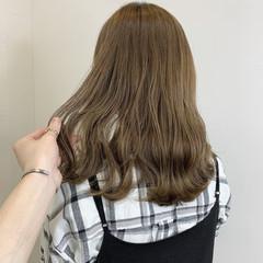 ミルクティーベージュ ミルクティーグレージュ ミルクティー ナチュラル ヘアスタイルや髪型の写真・画像