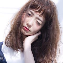 ゆるふわ 春 アッシュ フェミニン ヘアスタイルや髪型の写真・画像