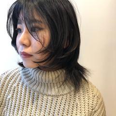 ウルフ女子 ナチュラルウルフ ナチュラル ミディアムレイヤー ヘアスタイルや髪型の写真・画像