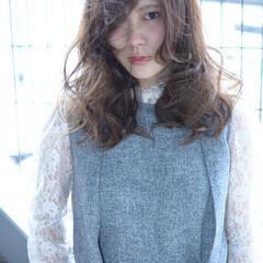 デジタルパーマ パーマ セミロング ナチュラル ヘアスタイルや髪型の写真・画像