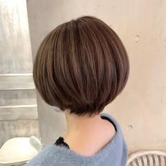 小顔ショート ショートヘア 大人かわいい ナチュラル ヘアスタイルや髪型の写真・画像